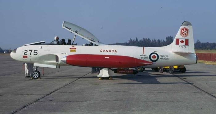 aircraft details canadian warplane heritage museum. Black Bedroom Furniture Sets. Home Design Ideas