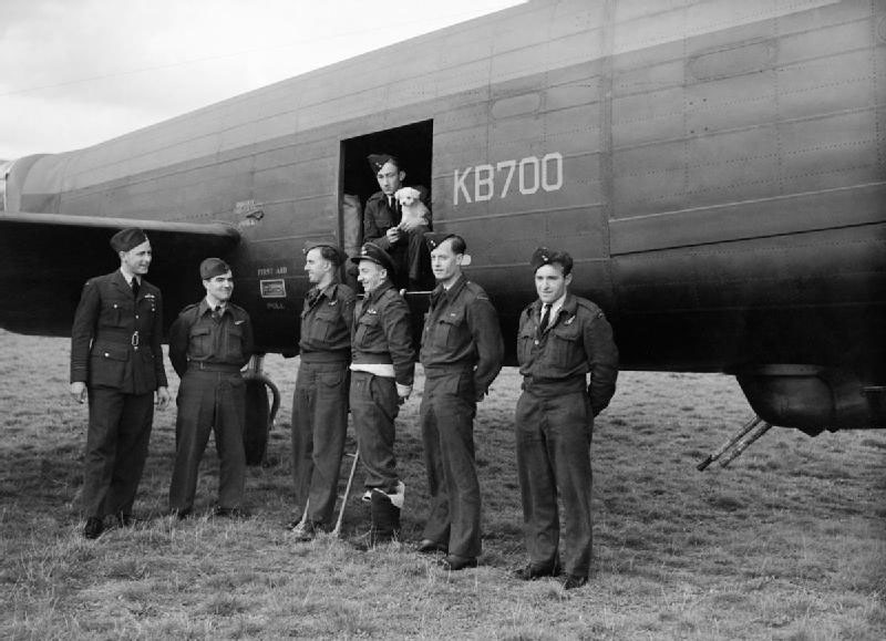 Squadron Leader R.J. Reg Lane DSO, DFC and the crew