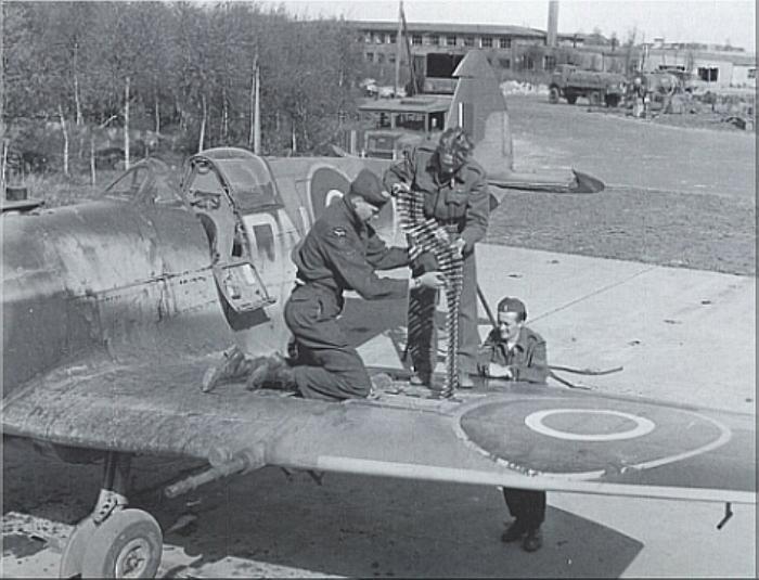 Supermarine_Spitfire_7.jpg